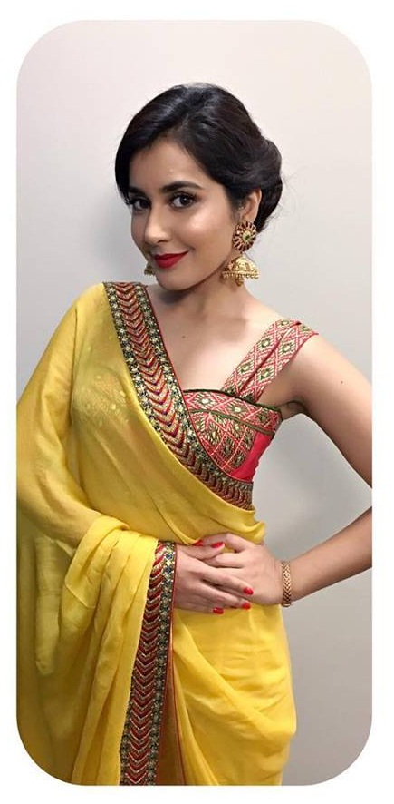 Glamours Actress Rashi Khanna At TPAD Bathukamma Celebrations In Yellow Saree