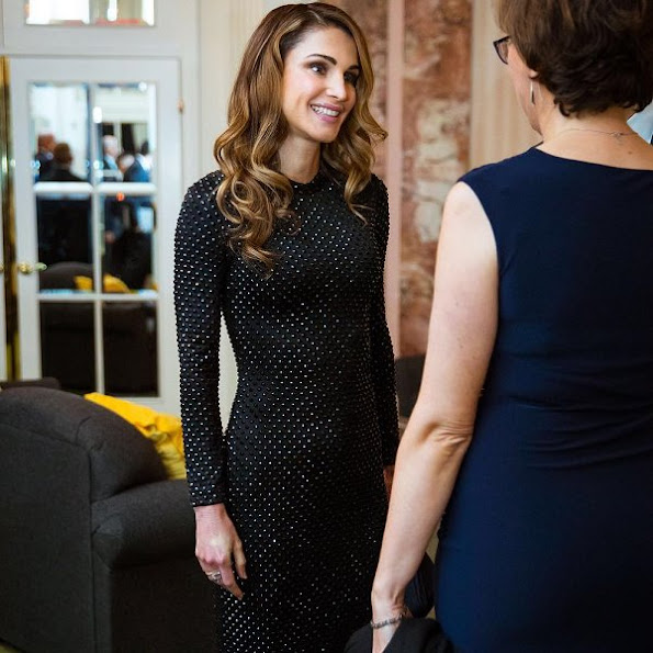 Queen Rania style, wore Fendi dress, Valentino clutch bag, Gianvito Rossi shoes, new winter dress, diamond earrings