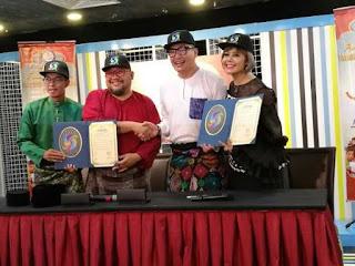 SyiokTV - Dua Artis Berganding Bahu Kini Tular 2017