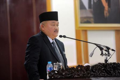 Gubernur Alex Noerdin Sampaikan Penjelasan Raperda APBD Sumsel 2017