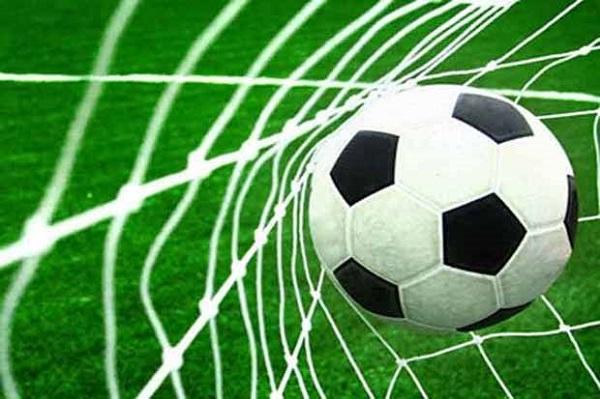 Perbedaan Sepak Bola Dan Futsal Beserta Penjelasan Lengkap Serbaez