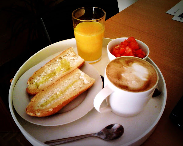 Desayuno de carnaval y el retorno del señor mesero