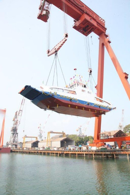 Cochin Shipyard Limited (CSL) launches the second double ended Roro Ferry for Corporation of Kochi