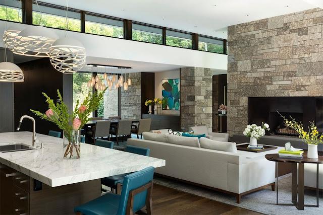 Không gian phòng khách thiết kế đón ánh sáng tự nhiên