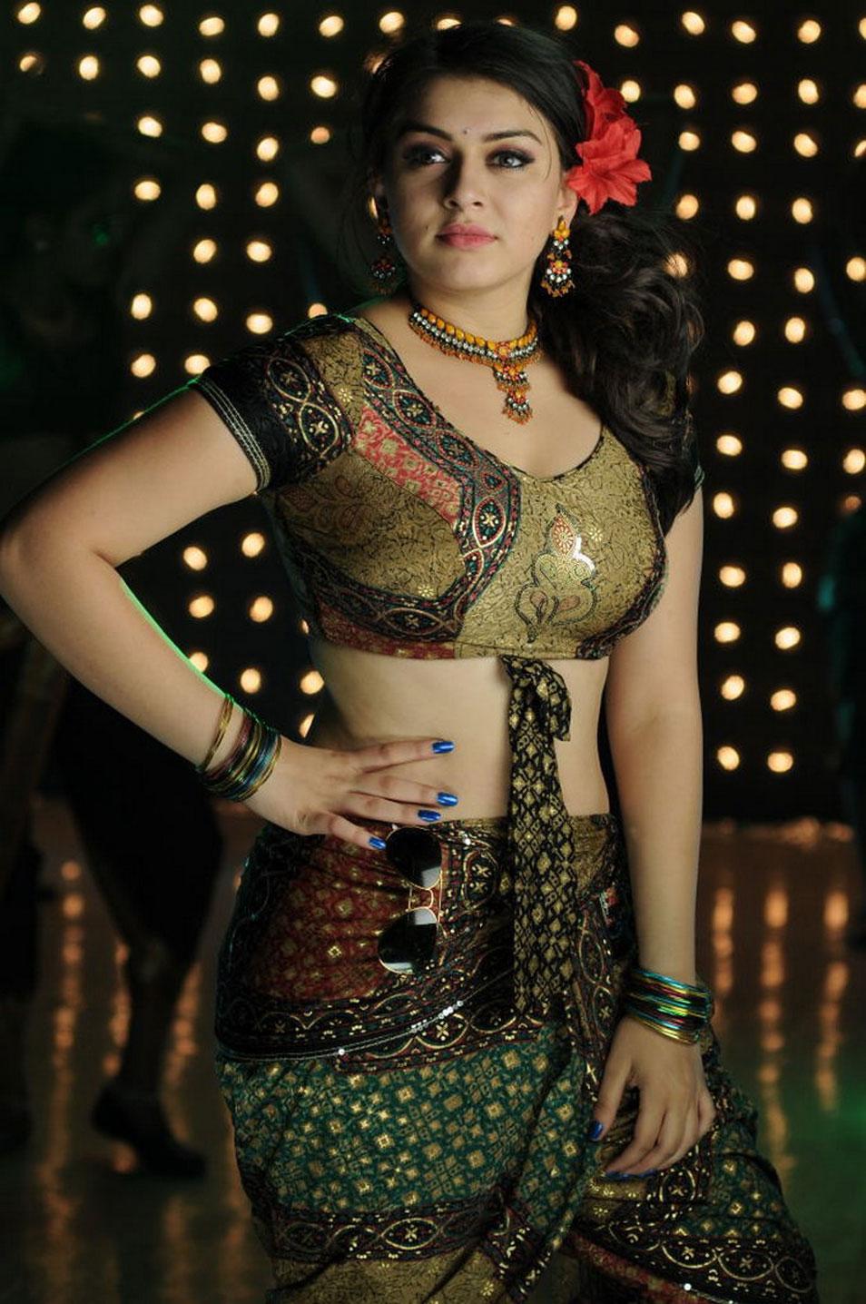 Anushka Shetty Cute Wallpapers Hansika Spicy Tamil Movie Velayutham Beautiful Indian