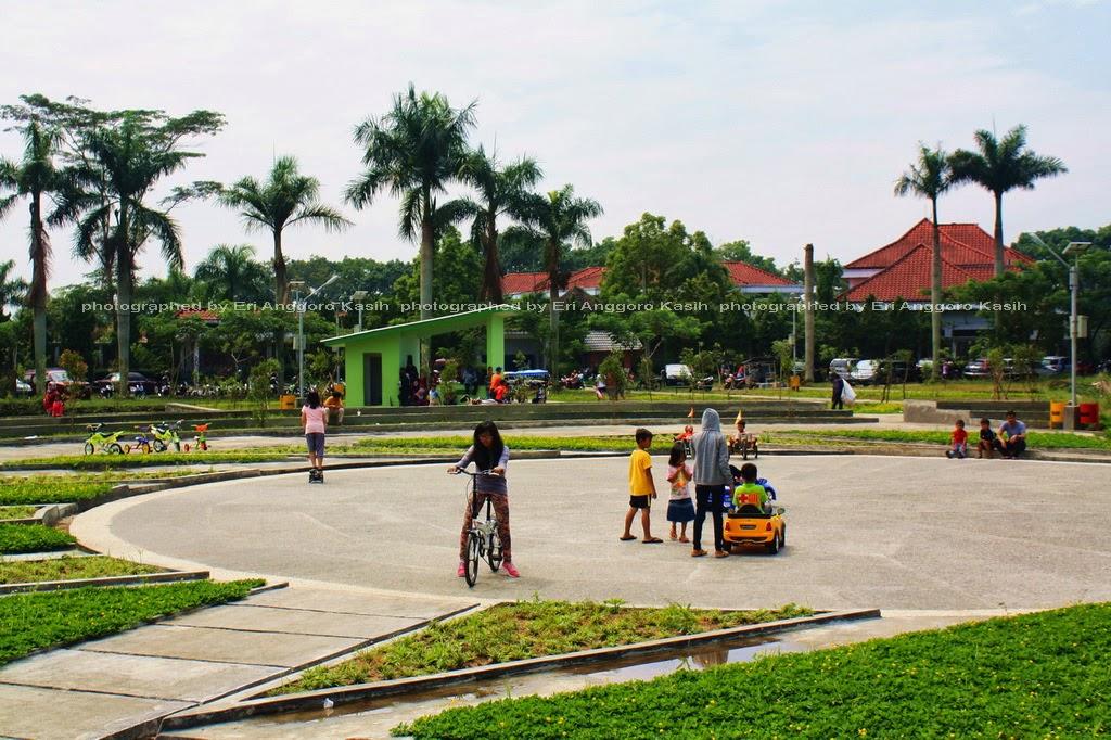 Taman Dadaha sebagai sarana berinteraksi dan bermain anak