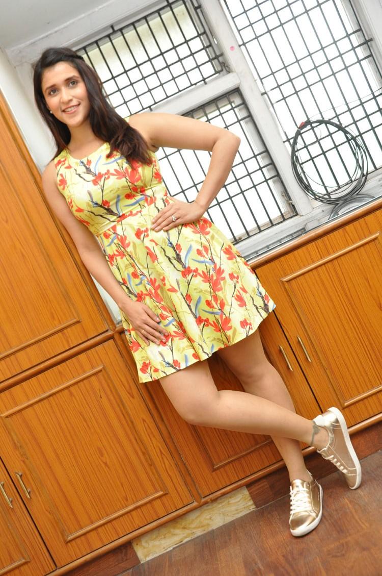 Jakkanna fame Mannara Chopra photos gallery-HQ-Photo-3