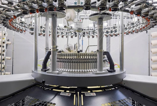 Making zero waste garments with 3D knitting machines