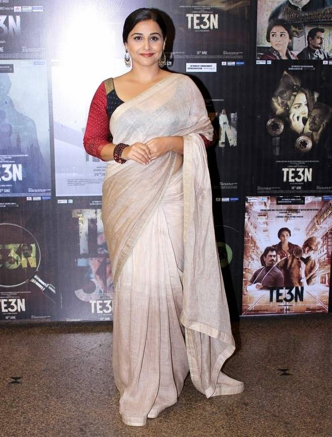 Beautiful Mumbai Girl Vidya Balan Long Hair In Transparent White Sari