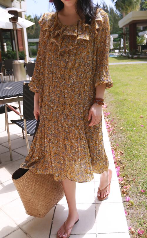 Self-Belt Floral Pleat Dress