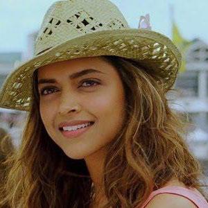 Deepika Padukone photos from The movie Cocktail | actress oke