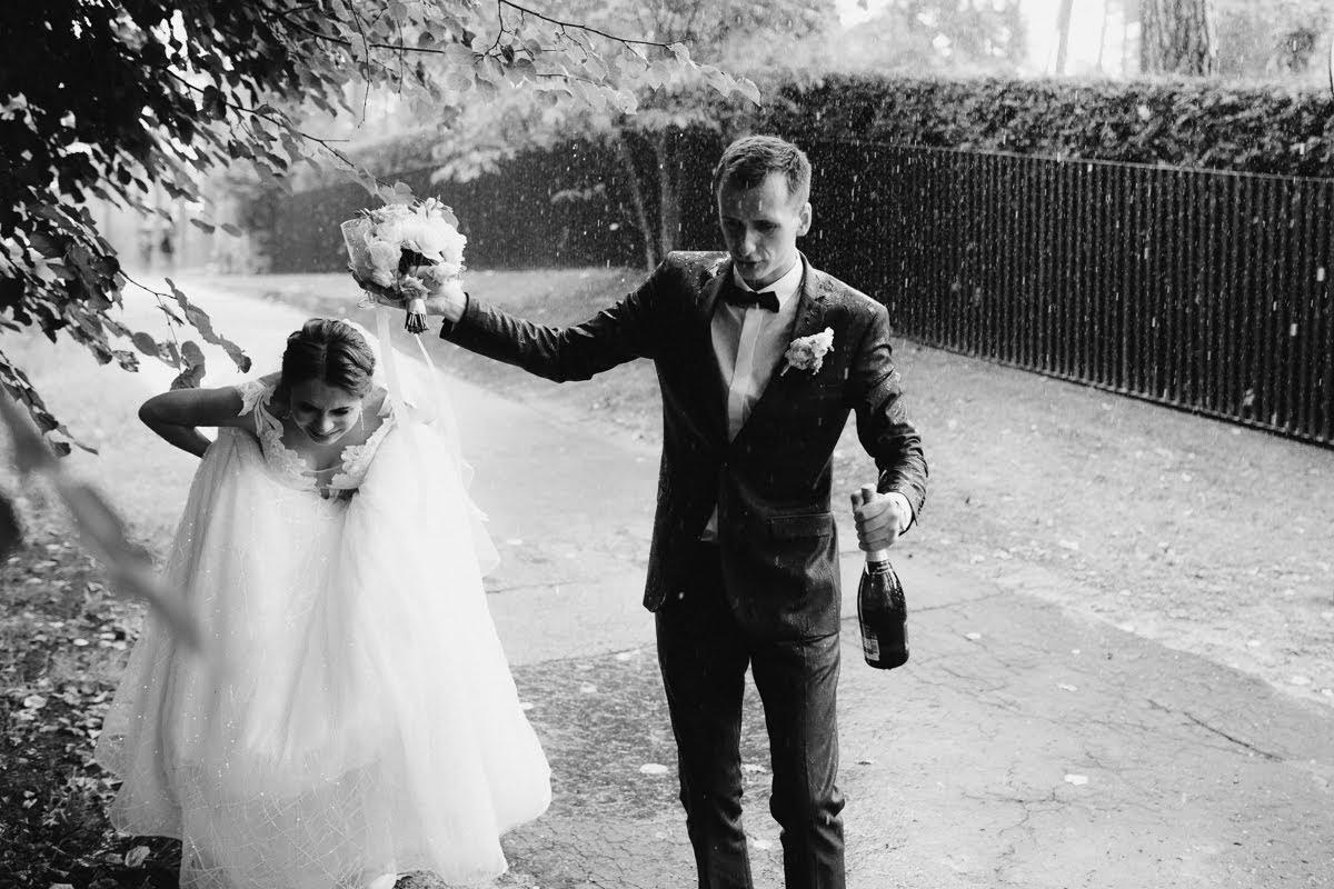 ja lietus kāzas