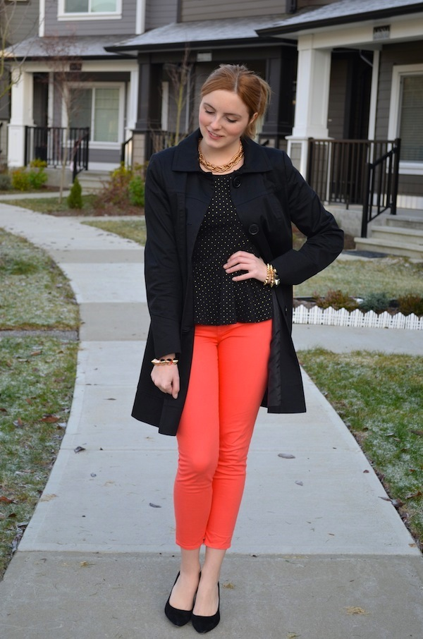 How to Style Coral Pants, How to style coloured denim, how to style bright jeans. Spring Style Outfit Ideas, Vancouver Style Blog, Vancouver Fashion Blog, Vancouver Beauty Blog, Vancouver Travel Blog, Vancouver Fitness Blog, Vancouver Lifestyle Blog, Canadian Blog, Canadian Style Blog