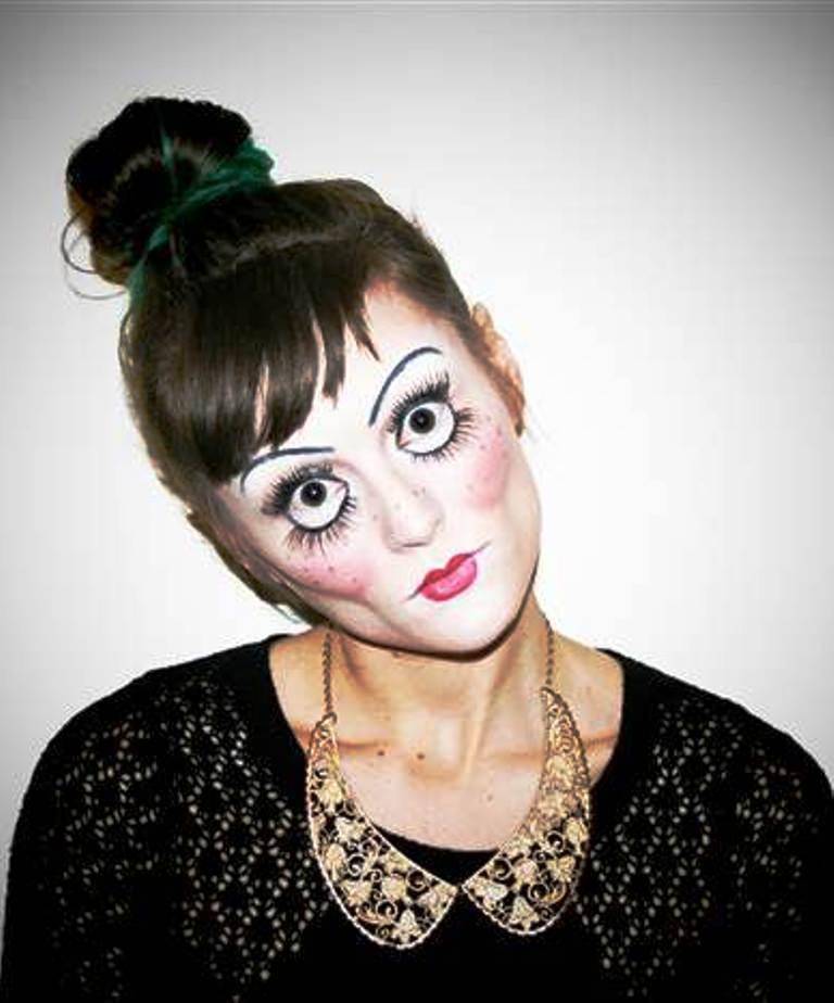 Happy Halloween Day: 26 Doll Halloween Makeup Ideas