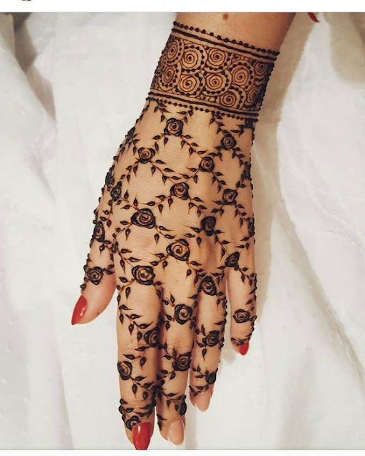 13 Unique Henna Designs Doing The Rounds This Wessing: Bling Sparkle