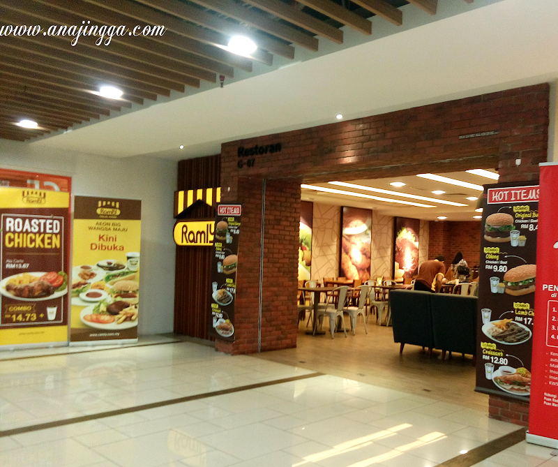 Pertama Kali Makan di Restoran Ramly Burger