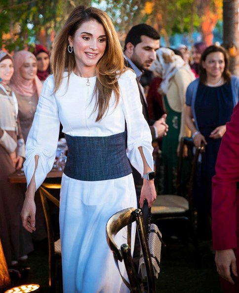 Queen Rania joined trainees and senior staff of the Queen Rania Teacher Academy, for an Iftar hosted by the Academy