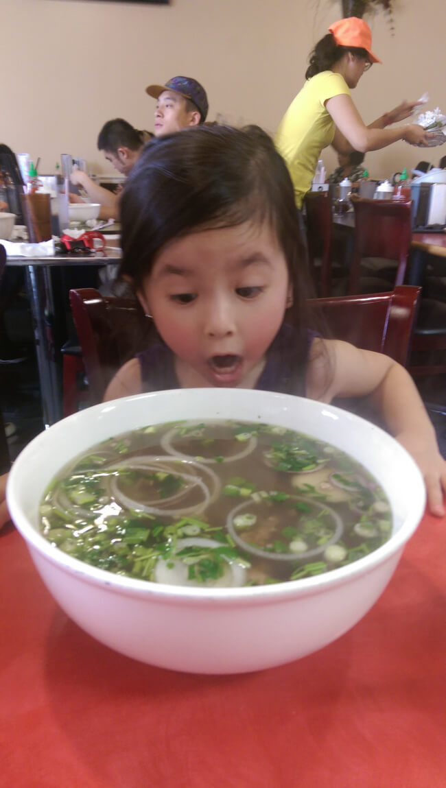 22 Photos That Utterly Capture Powerful Feelings - This girl did not expect such a huge portion.