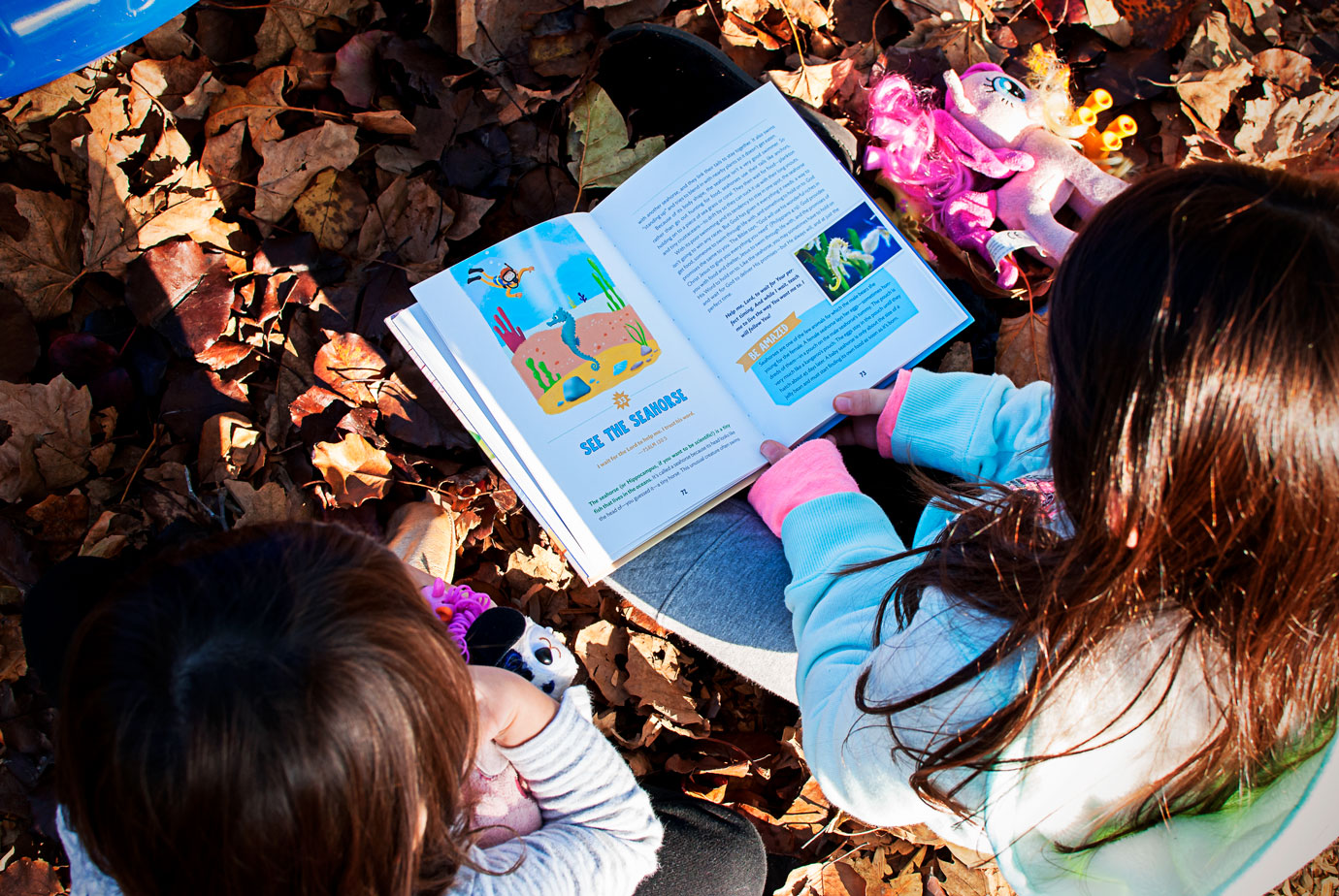 Reading The Indescribable Book at the Park #GiftIdeaForKids