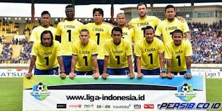 Persib Bandung Bawa 18 Pemain ke Lamongan, Termasuk Essien dan Henhen
