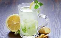 Νερό με λεμόνι: Ναι ή Όχι;