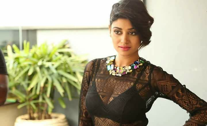 Oviya army's unexpected reaction to her lesbian avatar