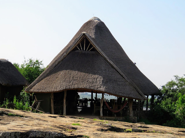 Restaurant and bar at Rwakobo Rock lodge in Uganda