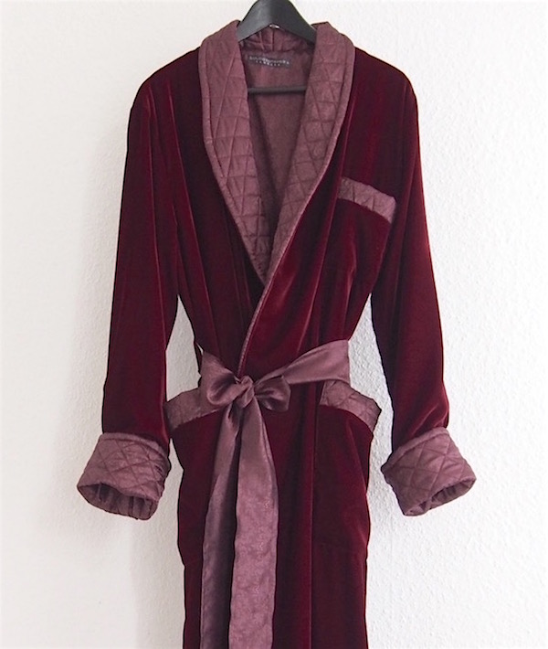 Men S Dressing Gowns: Men's Long Dressing Gowns In Red Velvet And Quilted Silk