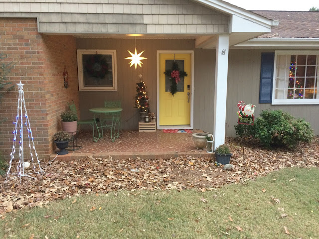 Come on in and take my Christmas home tour!