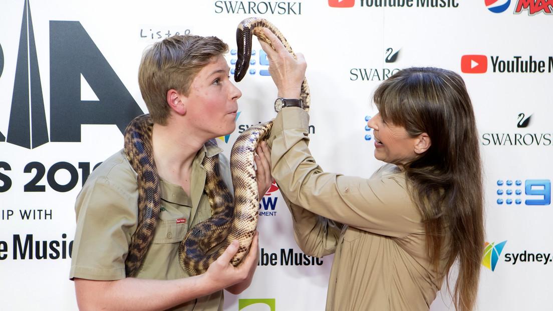 #VIDEO: El hijo del 'Cazador de cocodrilos' es mordido en la cara por una pitón