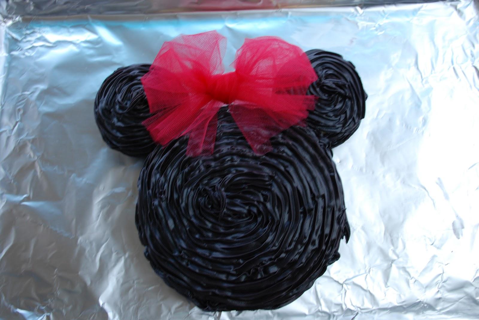 Lil Pink Pocket Minnie Mouse Birthday Cake