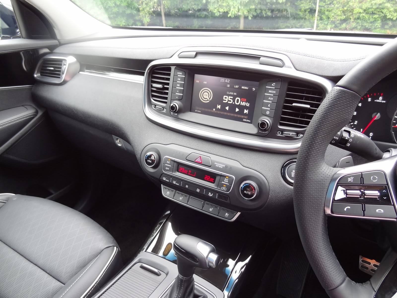Shaun Owyeong: 2018 KIA Sorento GT Line [Car Review]