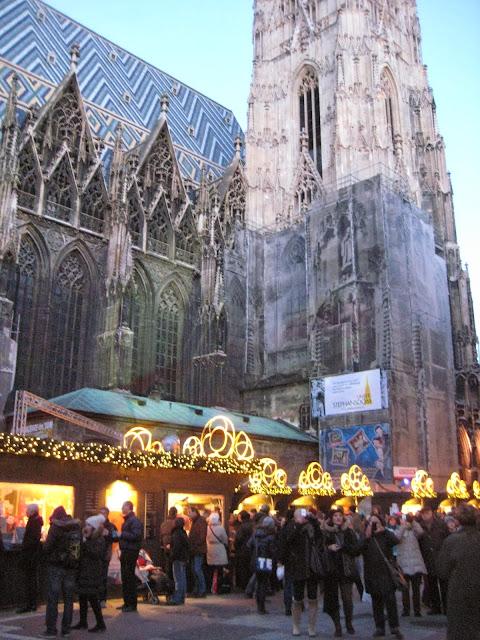 {Erin Out and About} Vienna Christmas Markets: Stephansplatz