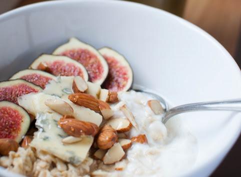 Śniadaniowo mi #21: Ekspresowa owsianka na jogurcie + 2 jesienne propozycje podania!