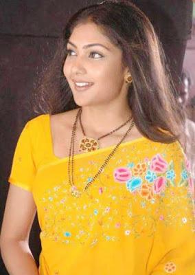 Kamalinee Mukherjee on facebook profiles pics