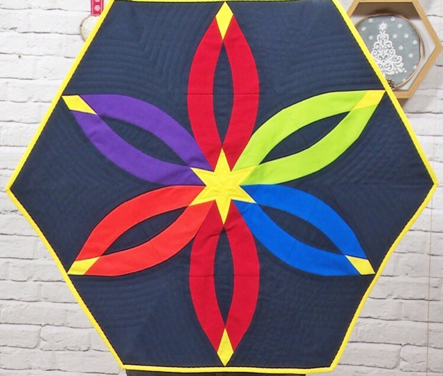 diamond wedding ring quilt in bright solid colours