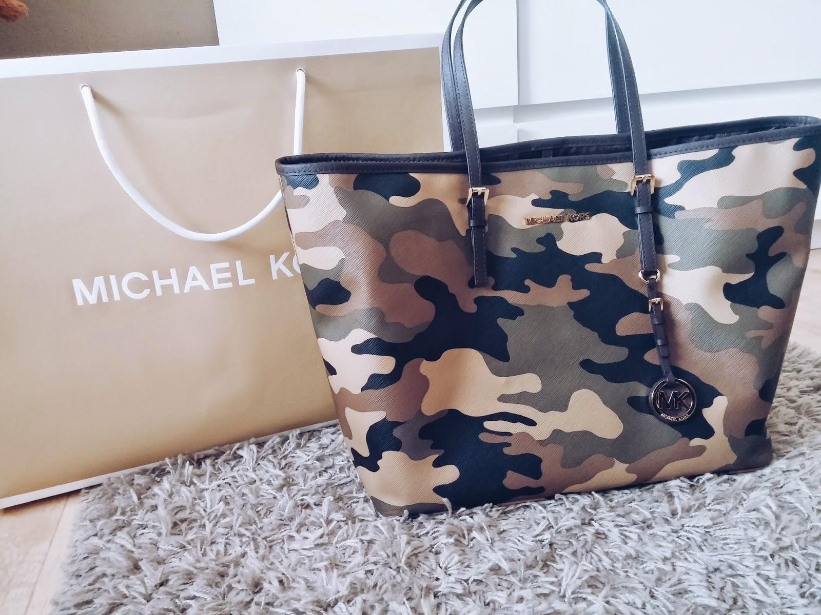 349f3b142a Sice jsem si tuto kabelku koupila v půlce ledna