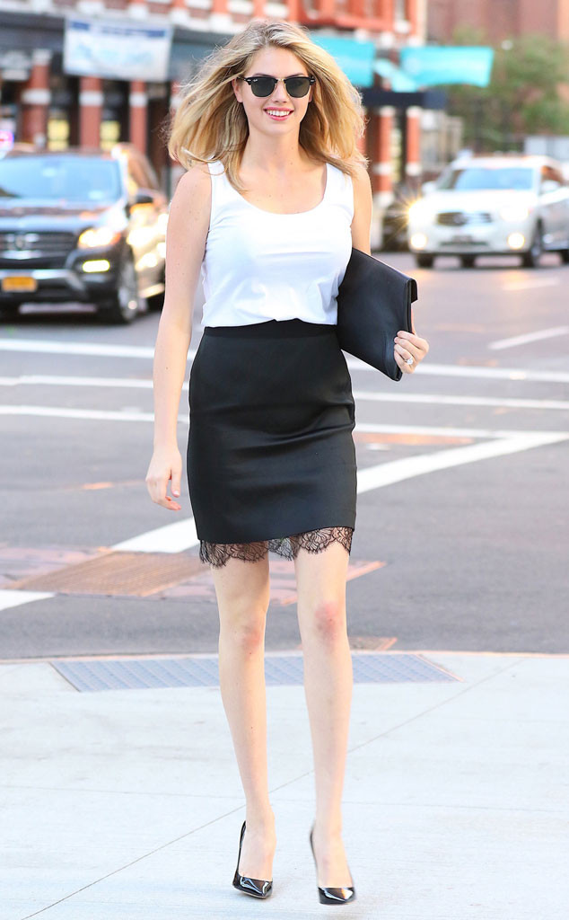 #kateupton, NYC, celebrity street style, celebrity wearing a skirt, June 2016, spring celebrity style