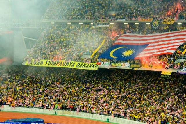 Malaysia Memang Aneh, Jangankan Bendera Negara Lain, Bendera Negara Sendiri saja Terbalik