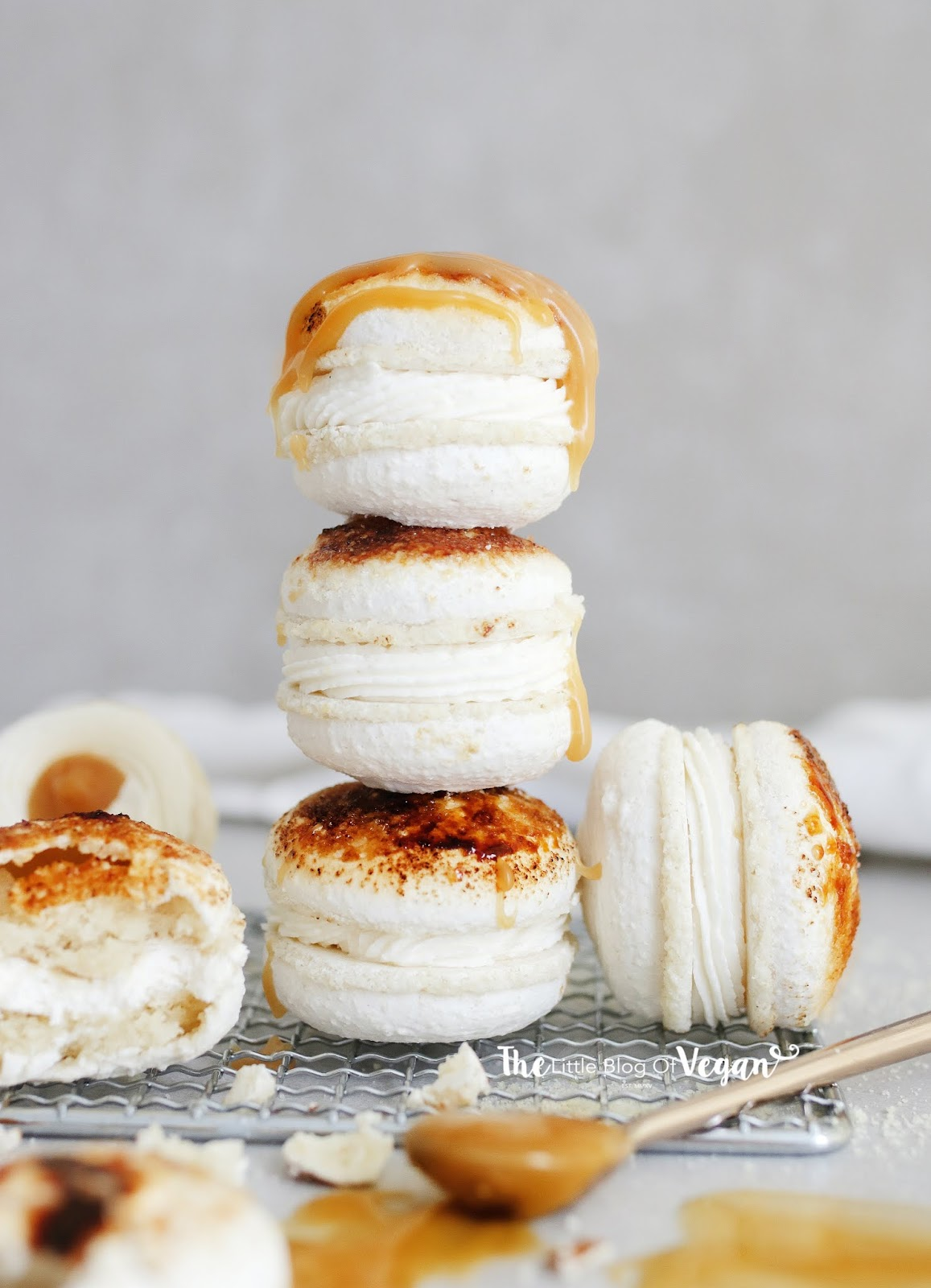 Creme brule macarons