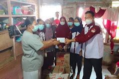 FKMN Serahkan Sembako dan Tali Asih kepada Korban Penembakan Perampokan Toko Emas di Simpang Limun