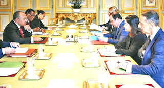 PNG Prime Minister Peter O'Neill meets with French President in Paris
