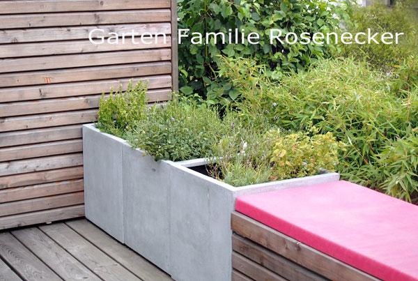 ein Garten, der in Fernplanung entstanden ist - wir planen, Sie führen aus - wir unterstützen Sie während der vielen Entscheidungen und Fragen während der Bauzeit per mail. Waas Gartendesign - München