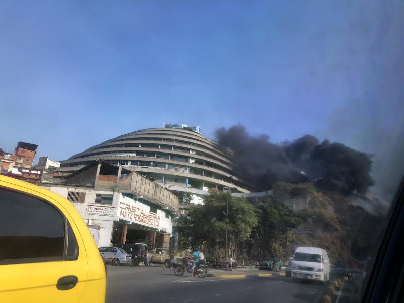 Se produjo un incendio en El Helicoide - Sede del SEBIN