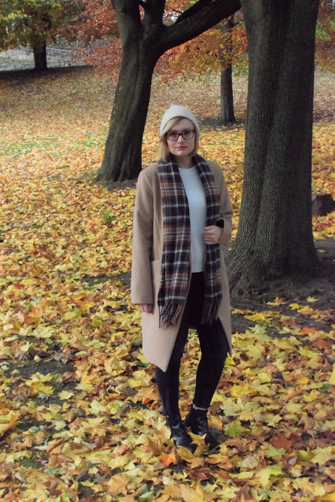 Scottish winter style trend, tartan scarf, The Whitepepper, The Sad Ghost Club, Edinburgh blogger photoshoot, simple chic scottish style, UK style blogger, camel coat, how to layer for winter in Scotland,