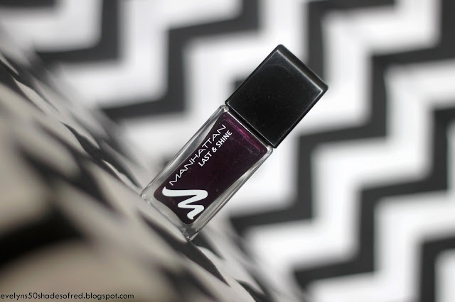 Manhattan, Last&Shine nail polish #010 Black Flames