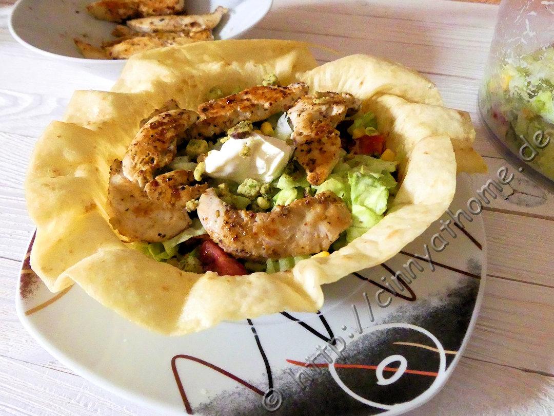 cinny home ab jetzt essen wir die schale beim salat mit tortillacup rezept lecker. Black Bedroom Furniture Sets. Home Design Ideas