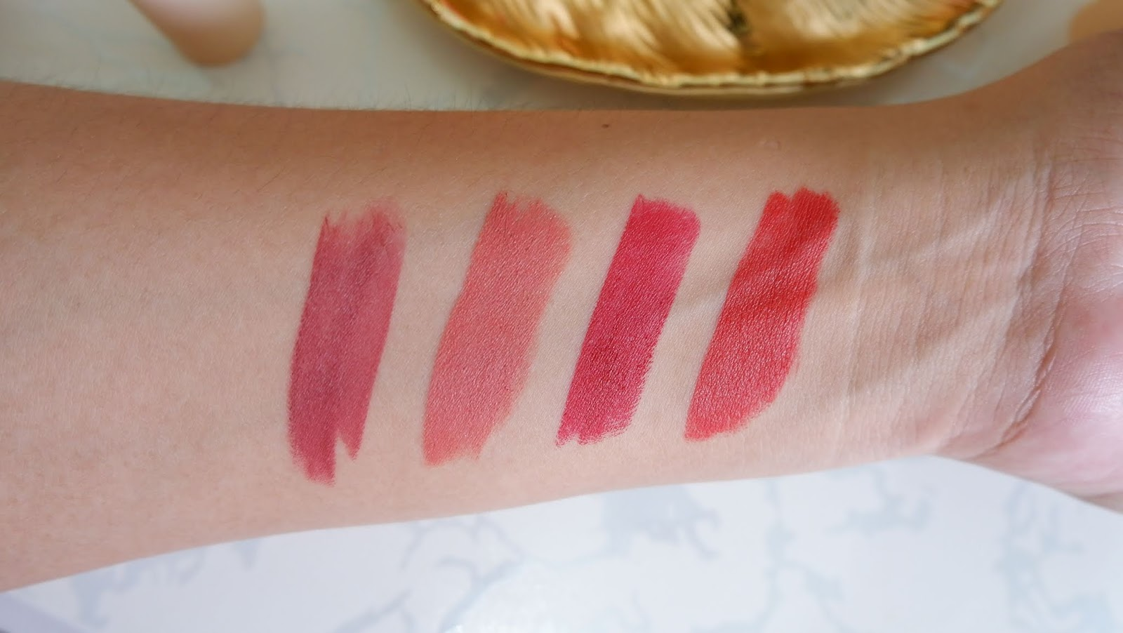 SUNNIES FACE FLUFFMATTE LIPSTICK REVIEW