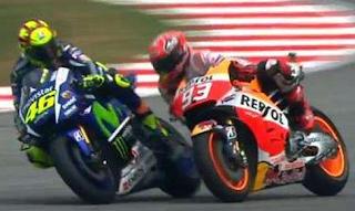 Rossi Menjatuhkan Marques