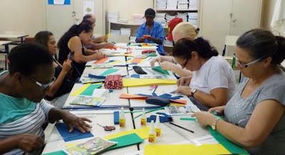 E.J.A Educação Para Jovens e Adultos  Curso artesanato E.V.A ESCOLA CEMPRE RUTH CARDOSO